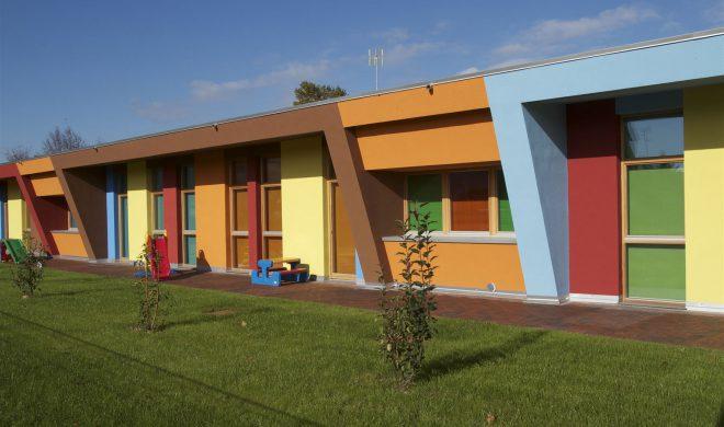 Scuola materna; ecocompatibile; tecnica a telaio