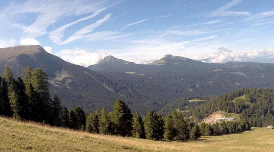 Exkursion zur Baustelle des neuen Bergrestaurants Oberholz in Obereggen (BZ)
