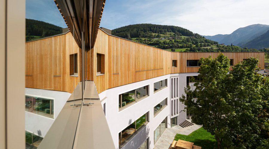 Sopraelevazione scuola in legno massiccio
