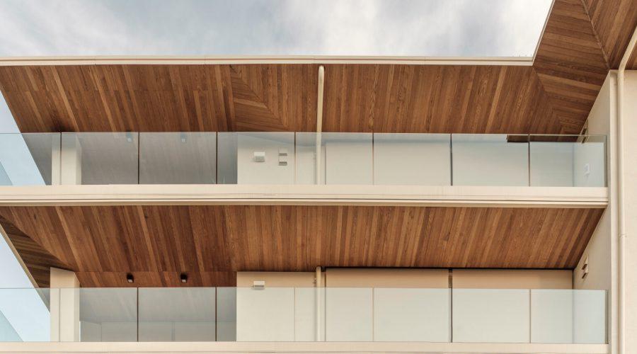 Fünfstöckiges Wohngebäude in Bologna
