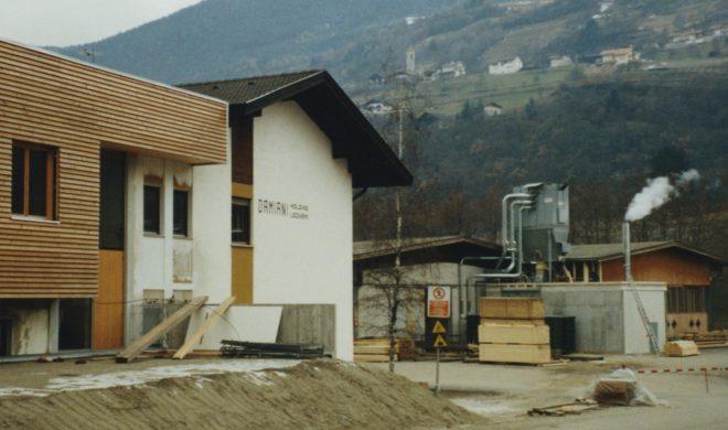 Costruzione del nuovo edificio nel 1995